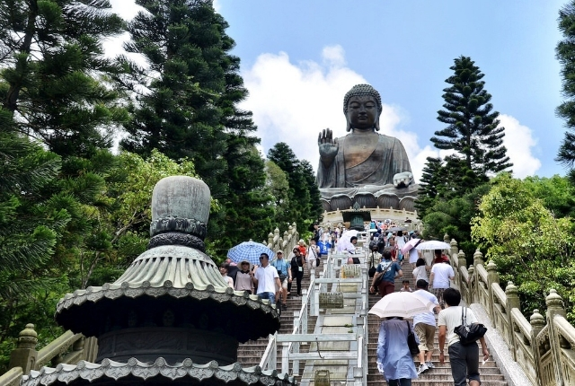 Enjoy a Daytrip to Lantau Island