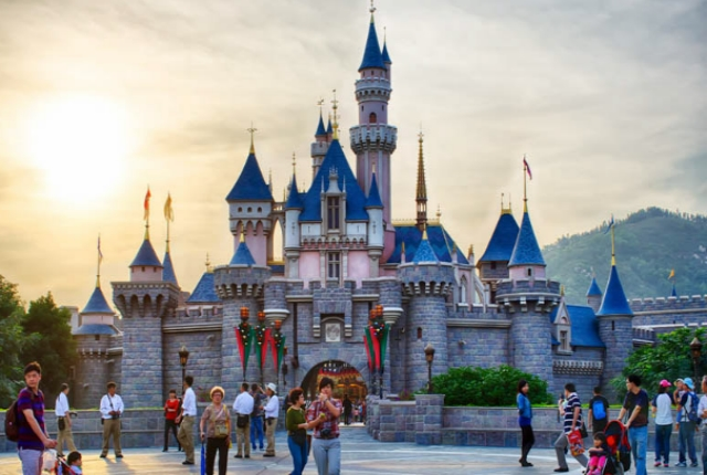 Spend Some Exciting Time at Hong Kong Disneyland