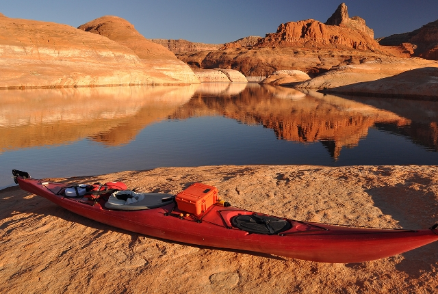 Kayaking in the Lake Powell