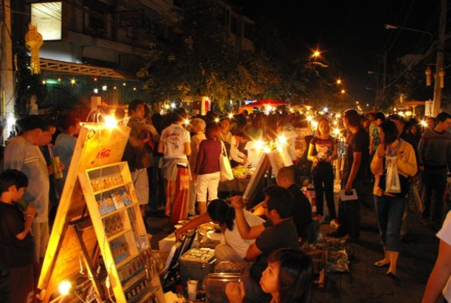 Chiang Mai Sunday Night Walking streets