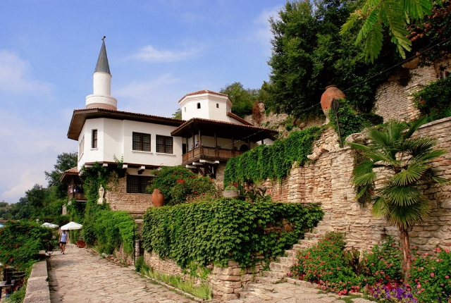 Discover The Balchik Palace And Botanical Gardens