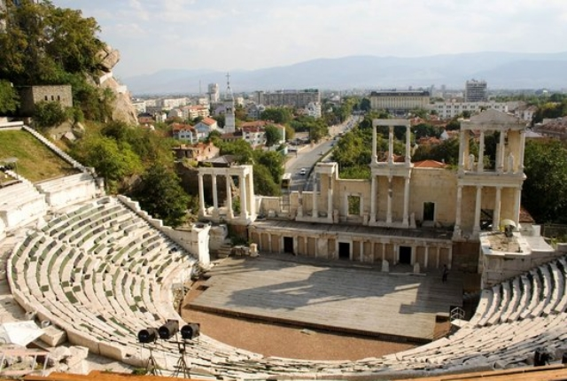 Explore The Awe Inspiring Plovdiv Roman Theater