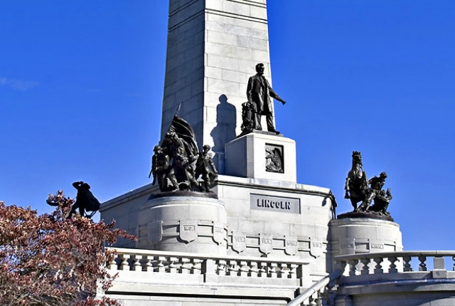 Lincoln Tomb And War Memorial State Historic Site