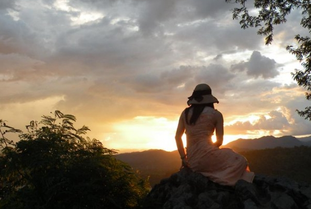 View sunset at Phu Si Hill