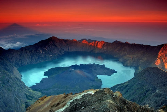 mount-rinjani-indonesia
