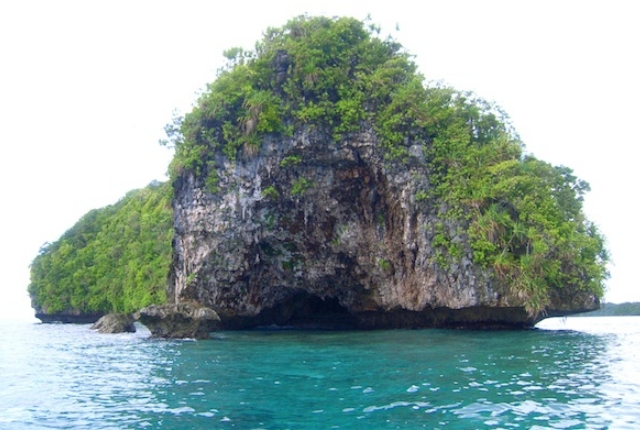 rock-islands-southern-lagoon