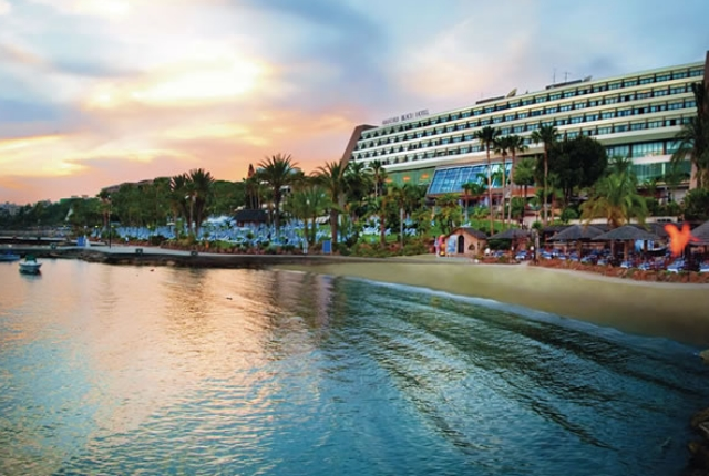 the-chic-amathus-beach-hotel-limassol