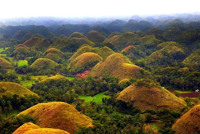 the-chocolate-hills-bohol-philippines