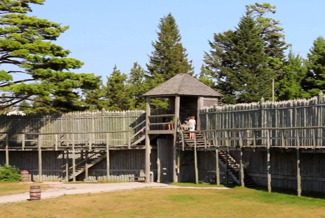the-heritage-village-of-michilimackinac-mackinaw