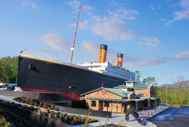 the-titanic-museum-pigeon-forge