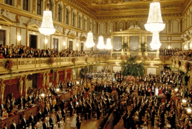 dance-to-the-tunes-at-the-johann-strauss-ball