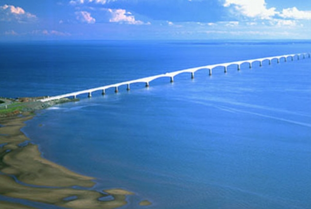 enjoy-a-scenic-drive-over-the-confederation-bridge