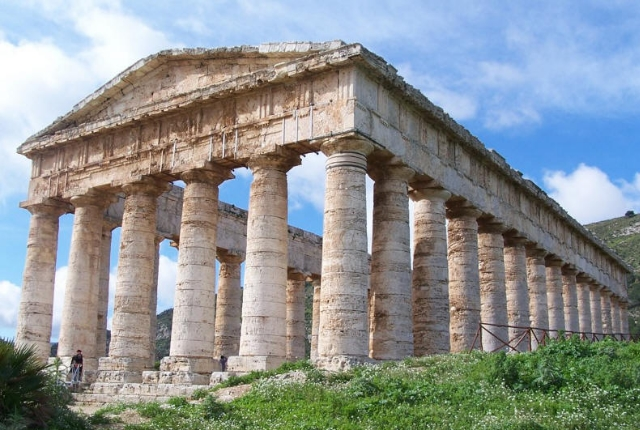 temple-of-segesta-northwest-sicily