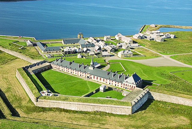 tour-the-fortress-of-louisbourg-national-historic-site