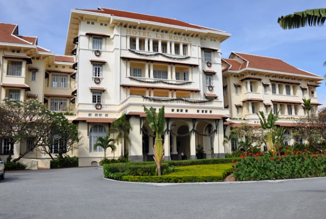 the-elegant-raffles-hotel-le-royal