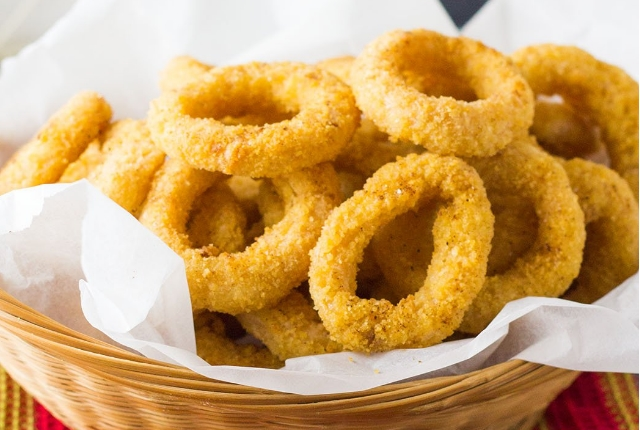Cornmeal-crusted Onion Rings
