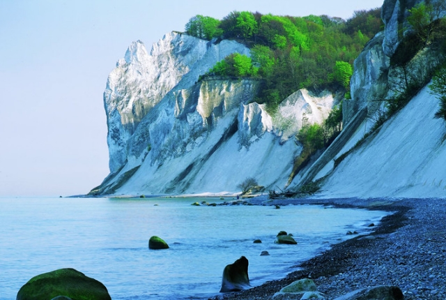 Look For Fossils At Mons Klint