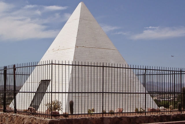 Pay respect in Governor Hunt's Pyramid