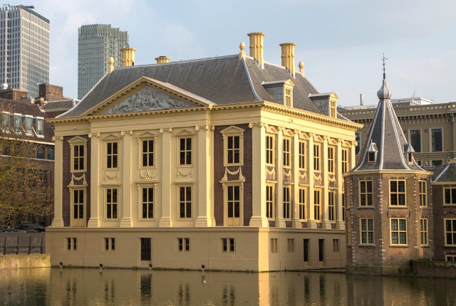 Study The Spectacular Art Exhibits At Mauritshuis