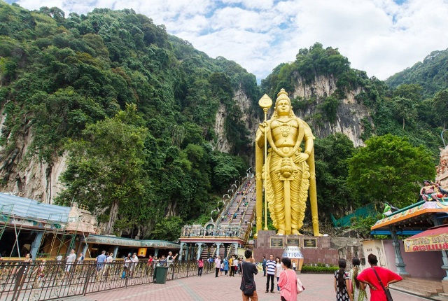 Rock Climbing In Batu Caves